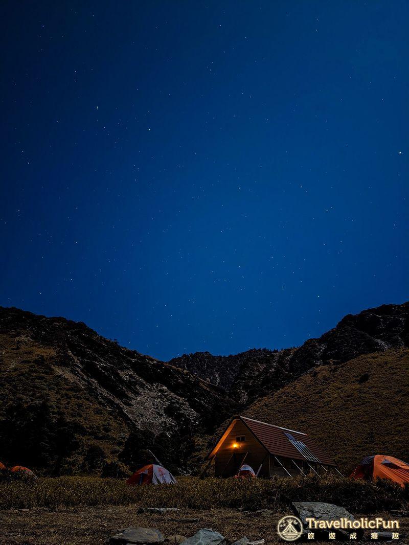 南湖圈谷夜景