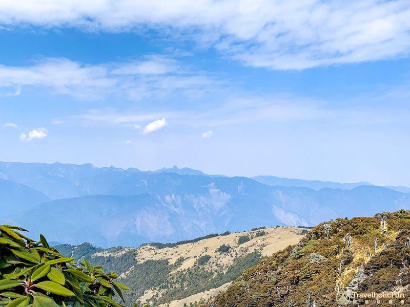 南湖北峰遠望大霸、小霸尖山